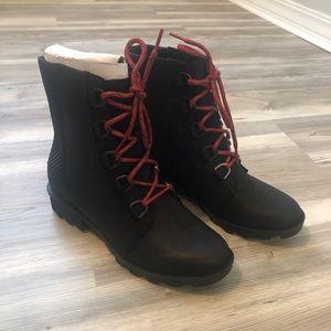 Sorel Phoenix™ Short Lace Boot NWT Black size 8